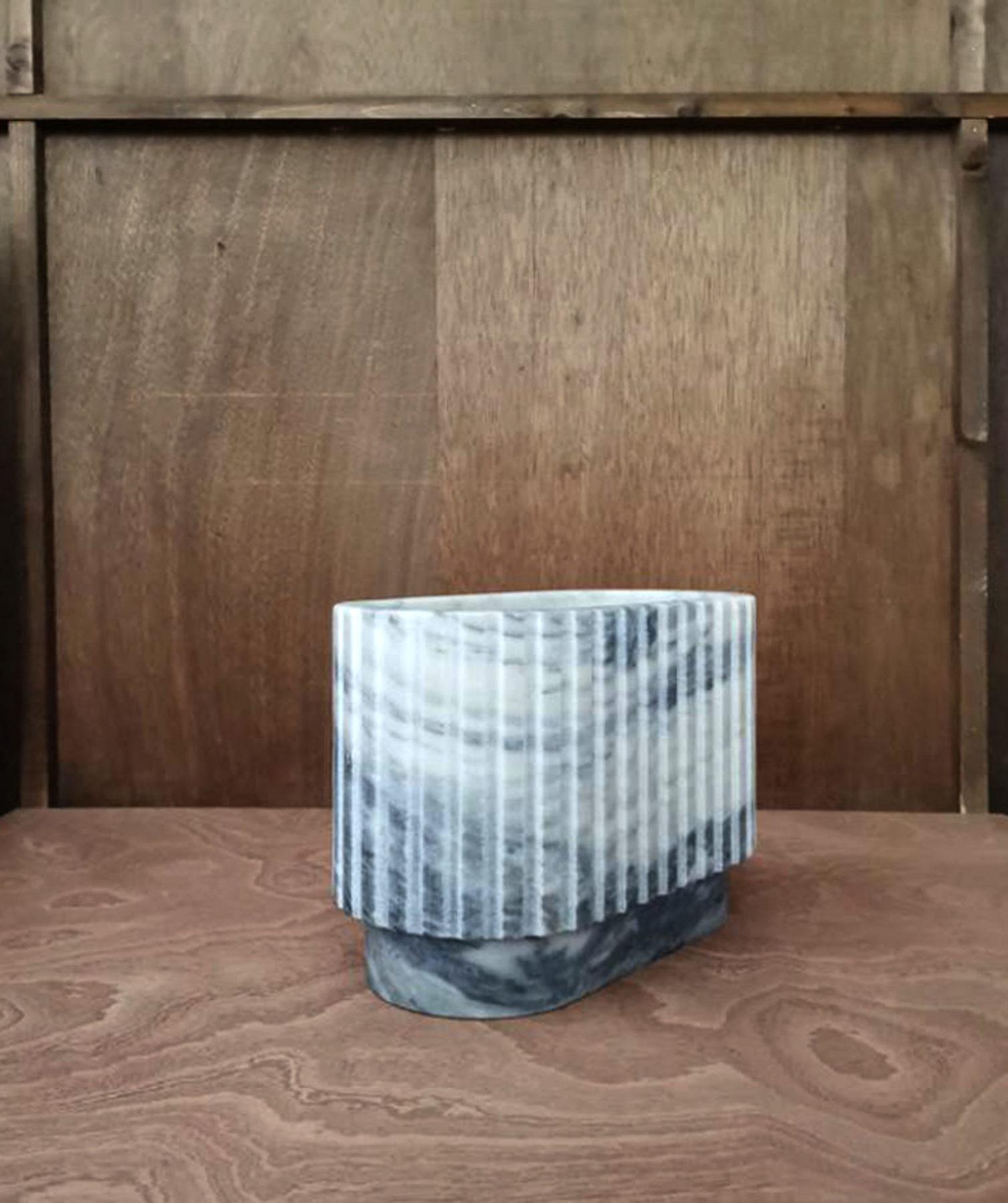 Vase, vide-poches, colonnes antiques. Design par Louis Denavaut